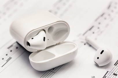 Casti Apple AirPods 2 Wireless Charging