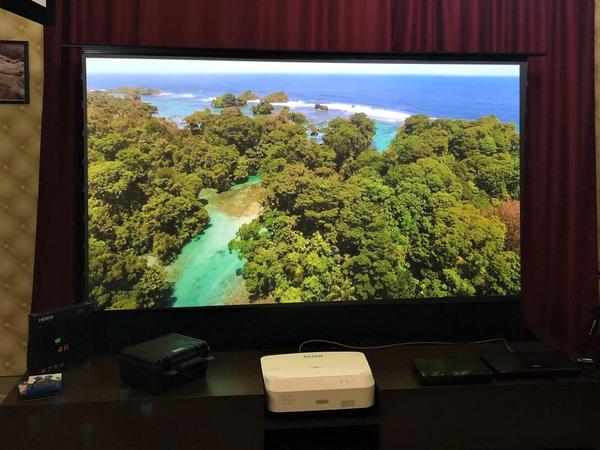 Ecrane de proiectie Ecran proiectie Visual Experience UST motorizat, incastrabil 4K/3D (nu include mobilier) 16:9 100inchEcran proiectie Visual Experience UST motorizat, incastrabil 4K/3D (nu include mobilier) 16:9 100inch