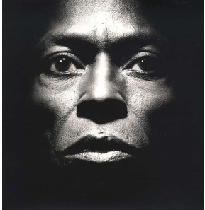 Viniluri VINIL Universal Records Miles Davis - Tutu (DELUXE EDITION)VINIL Universal Records Miles Davis - Tutu (DELUXE EDITION)