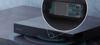Imagine cu Player Blu-ray Disc™ cu conversie extinsă la 4K