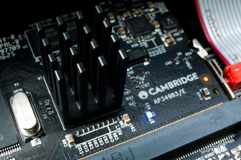 Imagini pentru Cambridge Audio - Edge nq