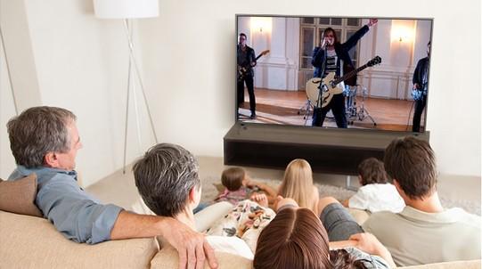 TV-UHD-UM7050-08-Ultra-Surround-D-B